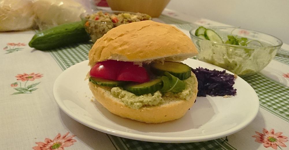 Vegán tormás tofukrém szendvicsbe